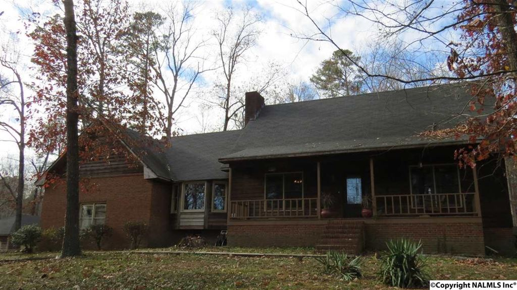 Photo for 5336 S ALABAMA HIGHWAY 79, GUNTERSVILLE, AL 35976 (MLS # 1083683)