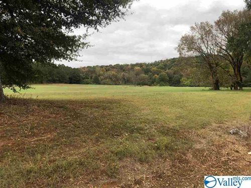 Photo of 5 CARLTON ROAD, SCOTTSBORO, AL 35769 (MLS # 1143689)