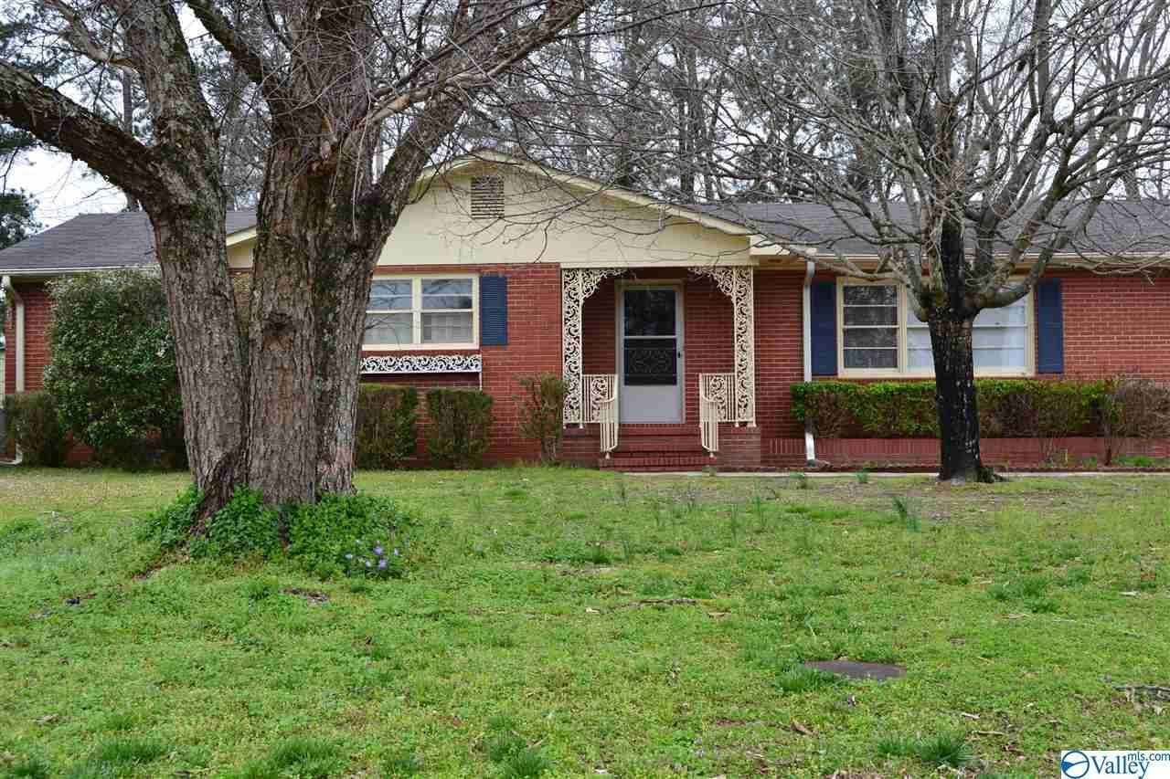 402 BRADLEY STREET SW, Decatur, AL 35601 - #: 1139695
