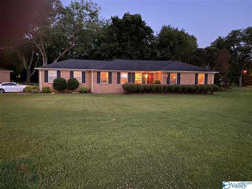 Photo of 800 Sherwood Drive SE, Huntsville, AL 35802 (MLS # 1783726)