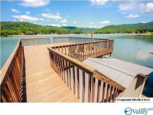 Photo of 67 PINE ISLAND CIRCLE, SCOTTSBORO, AL 35769 (MLS # 1143738)