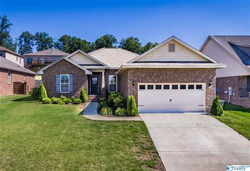 Photo of 6809 WINTERCREST WAY SE, OWENS CROSS ROADS, AL 35763 (MLS # 1144749)