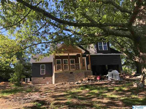 Photo of 570 THOMASON ROAD, ALBERTVILLE, AL 35951 (MLS # 1142778)
