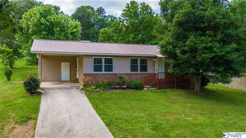 Photo of 3906 GRAND AVENUE SW, FORT PAYNE, AL 35967 (MLS # 1144781)