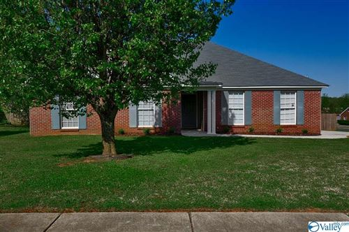 Photo of 5981 Vinemont Drive, Huntsville, AL 35806 (MLS # 1778840)