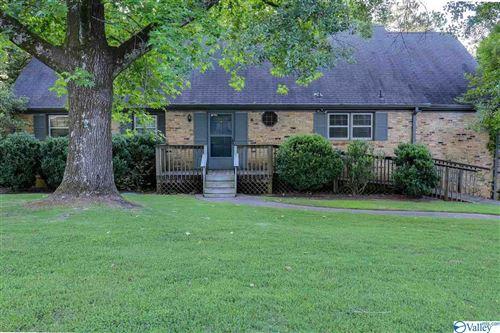 Photo of 7605 Fleming Hills Drive SW, Huntsville, AL 35802 (MLS # 1783848)