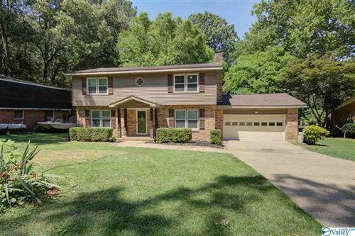 Photo of 11404 Woodcrest Drive SE, Huntsville, AL 35803 (MLS # 1783887)