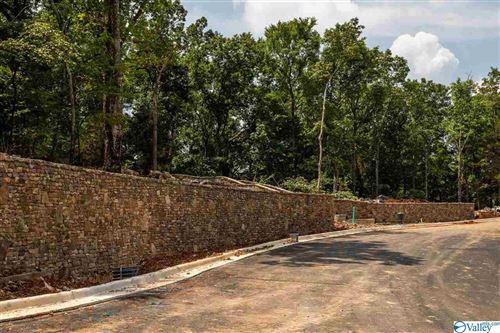 Photo of 9 South Ridge, Huntsville, AL 35802 (MLS # 1786910)