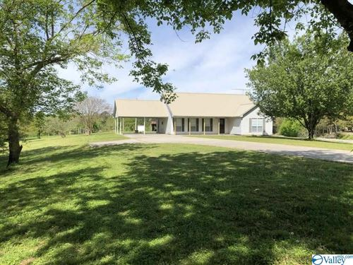 Photo of 1018 MARDIS POINT ROAD, BAILEYTON, AL 35019 (MLS # 1140928)