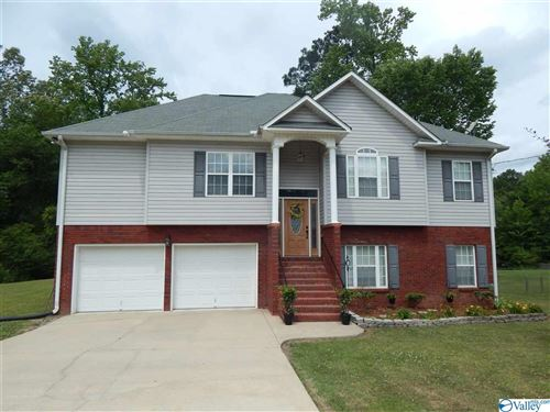 Photo of 412 MOUNTAIN LAKE CIRCLE, RAINBOW CITY, AL 35906 (MLS # 1143929)