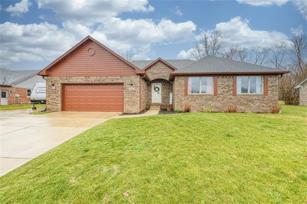 224 WOODLAND Place, Pittsboro, IN 46167 - #: 21700003