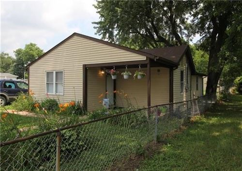 Photo of 1011 South Collier Street, Indianapolis, IN 46241 (MLS # 21685007)