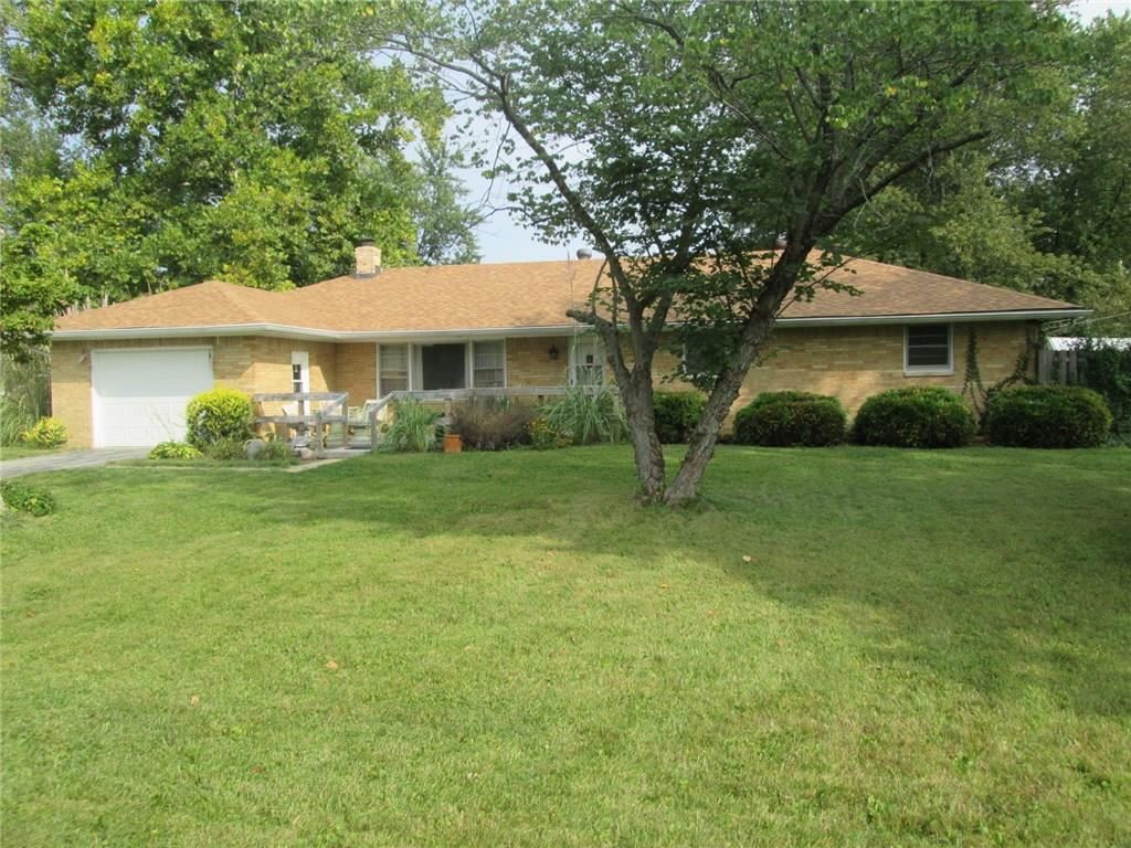 Photo of 5915 North County Road 901, Brownsburg, IN 46112 (MLS # 21739008)