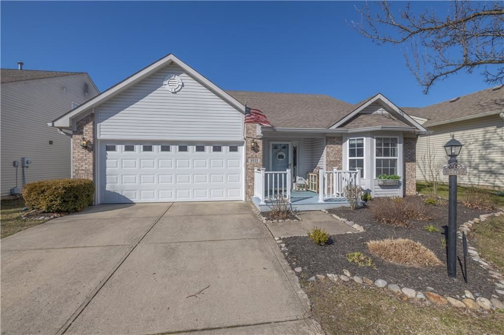 Photo of 6020 Woodmill Drive, Fishers, IN 46038 (MLS # 21700027)