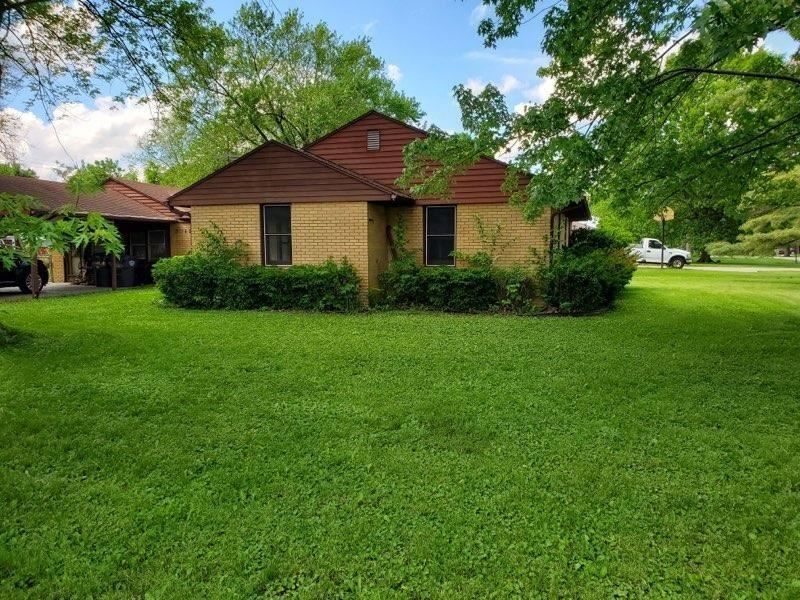 2312 East 2nd Street, Anderson, IN 46012 - #: 21715027