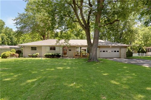 Photo of 5425 WALLACE Avenue, Indianapolis, IN 46220 (MLS # 21794037)