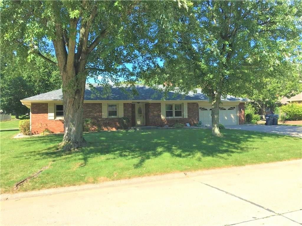 5 Southway Court, Greenwood, IN 46142 - #: 21664040