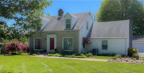 Photo of 3823 West County Line Road, Greenwood, IN 46142 (MLS # 21785043)