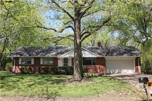 Photo of 5780 Henderson Drive, Brownsburg, IN 46112 (MLS # 21786045)