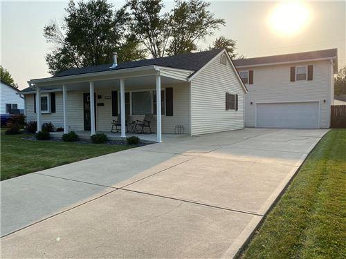 Photo of 612 Carol Drive, Greenwood, IN 46143 (MLS # 21813046)