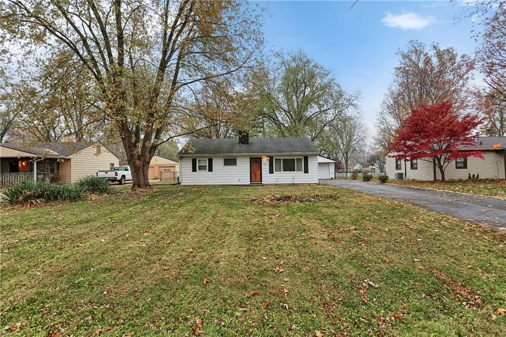 2015 Ruth Drive, Indianapolis, IN 46240 - #: 21681048