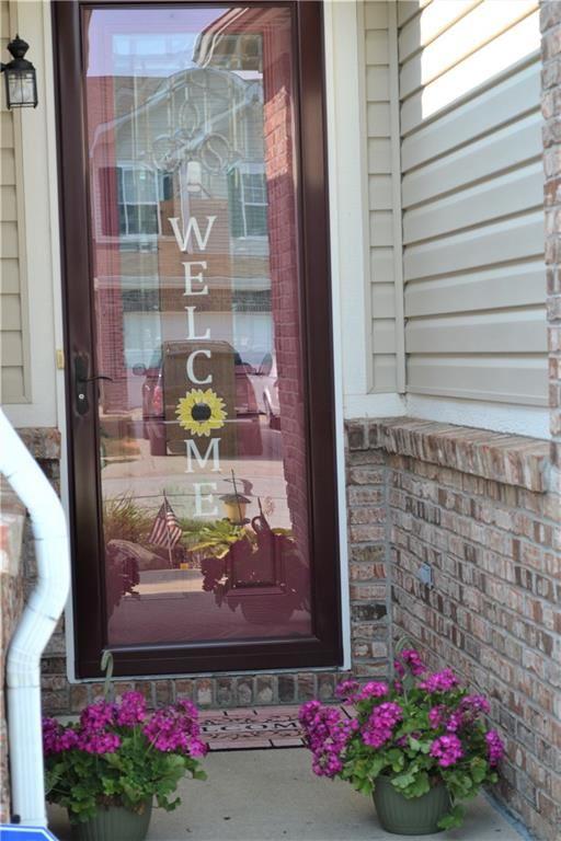 Photo of 8176 CRUMWELL Drive, Avon, IN 46123 (MLS # 21723049)