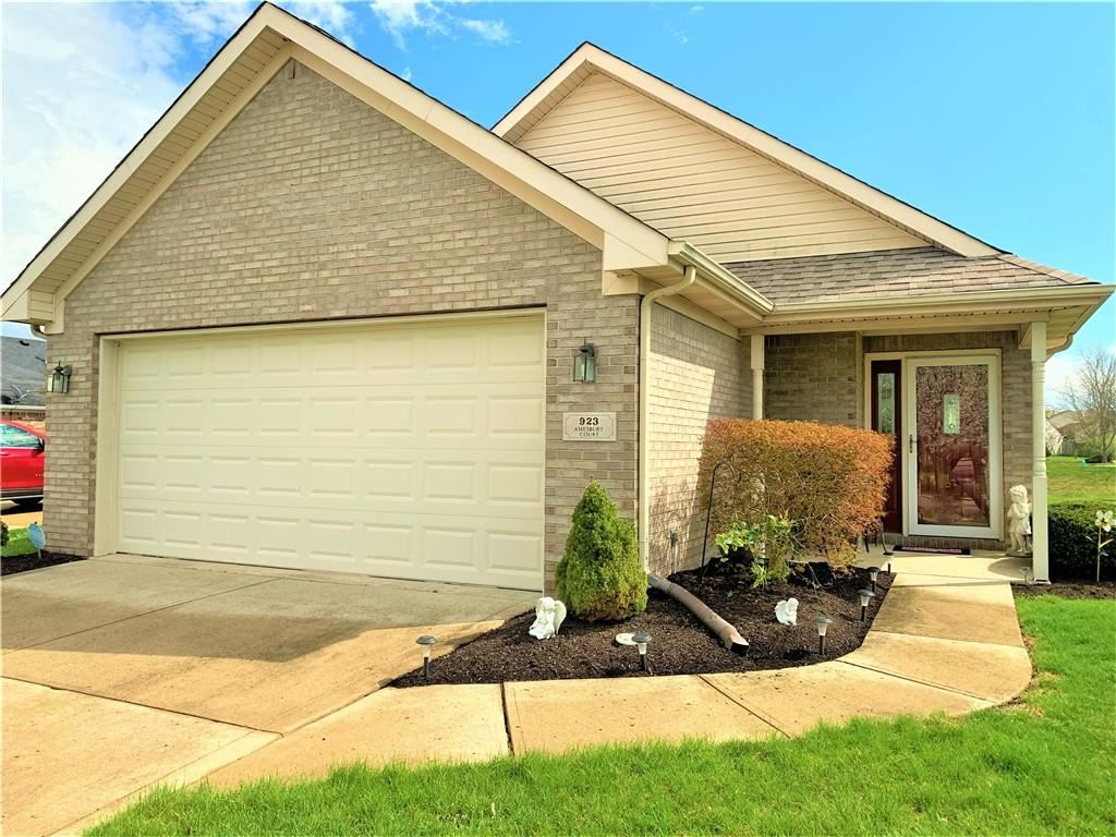 Photo of 923 Amesbury Court, Indianapolis, IN 46217 (MLS # 21777050)