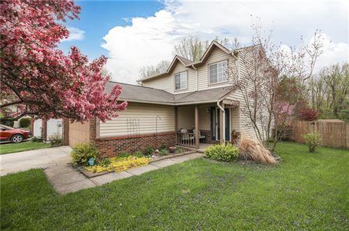 Photo of 1515 CREEKSIDE Lane, Greenwood, IN 46142 (MLS # 21779052)