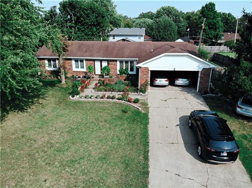 Photo of 797 Colonial Way, Greenwood, IN 46142 (MLS # 21813052)