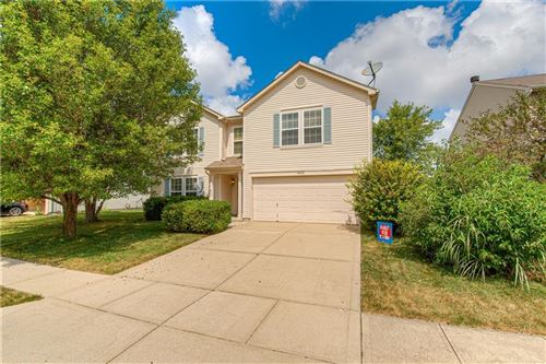 Photo of 10422 Mohawk Trail, Indianapolis, IN 46234 (MLS # 21805058)