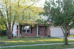 Photo of 951 Foxtail, Franklin, IN 46131 (MLS # 21668059)