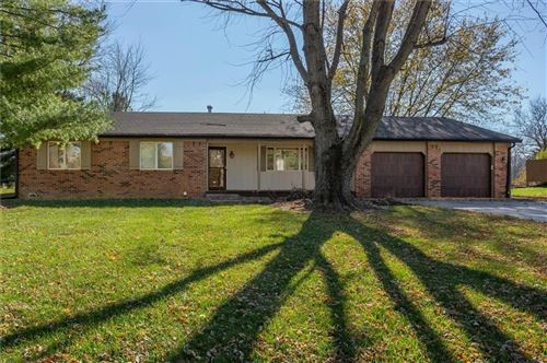 Photo of 3995 CLUBHOUSE Drive, Greenfield, IN 46140 (MLS # 21751064)