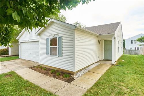 Photo of 2276 Providence Court, Greenwood, IN 46143 (MLS # 21813068)