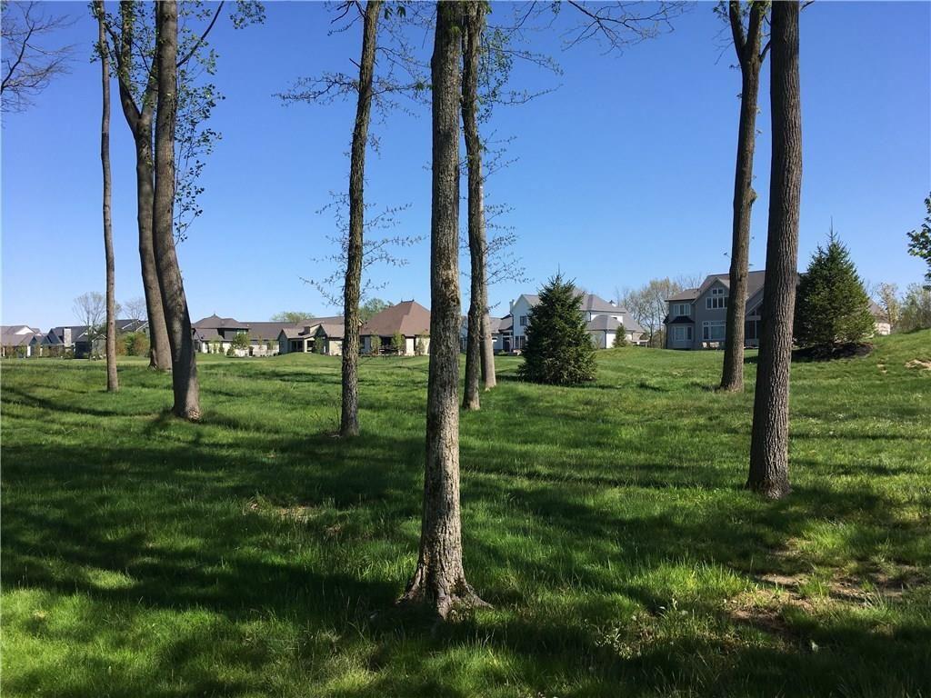Photo of 901 Oak Terrace Rd, Westfield, IN 46074 (MLS # 21709072)