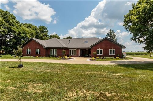 Photo of 7227 North Lakeshore Drive, Greenfield, IN 46140 (MLS # 21697095)