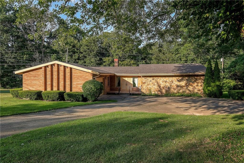 460 South Woodlawn Drive, North Vernon, IN 47265 - #: 21661096