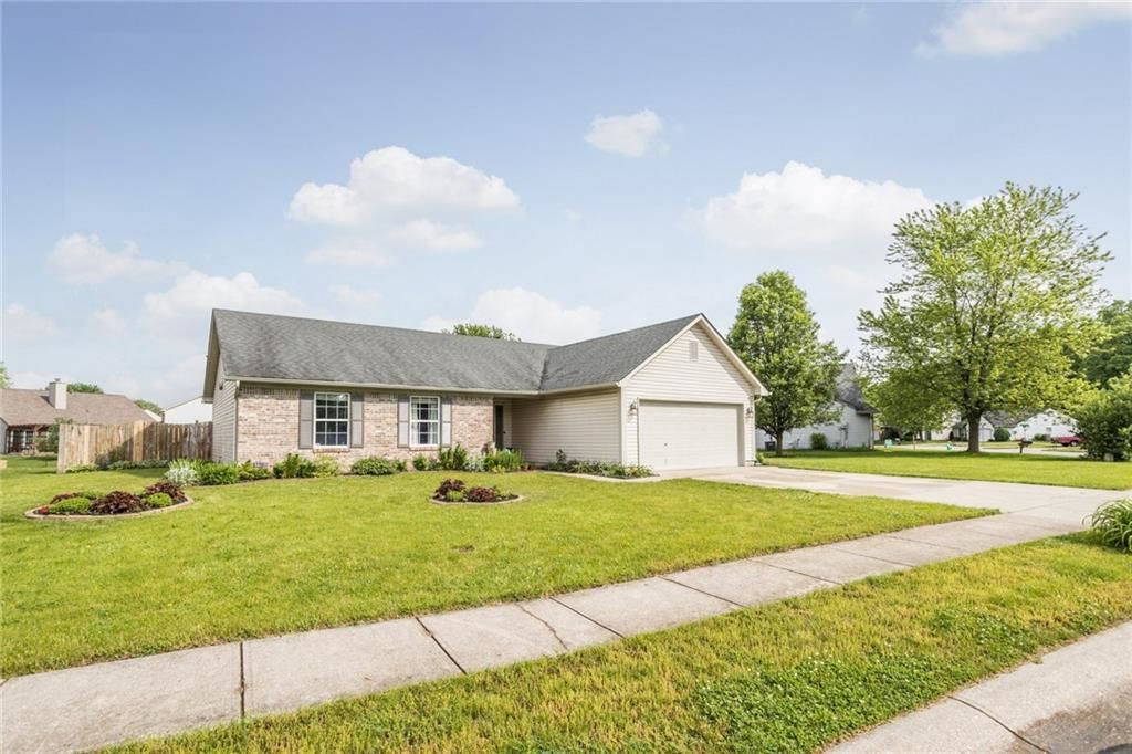8476 Inland Drive, Avon, IN 46123 - #: 21711101