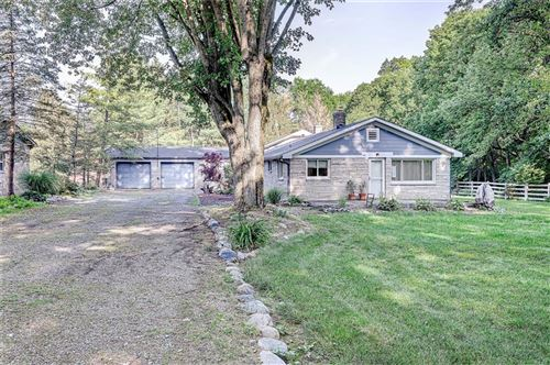 Photo of 11996 Greenfield Road, Zionsville, IN 46077 (MLS # 21796103)