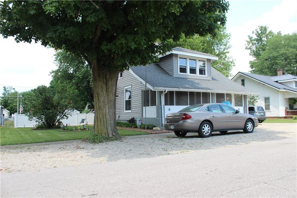 Photo of 206 West Adams Street, Darlington, IN 47940 (MLS # 21723114)