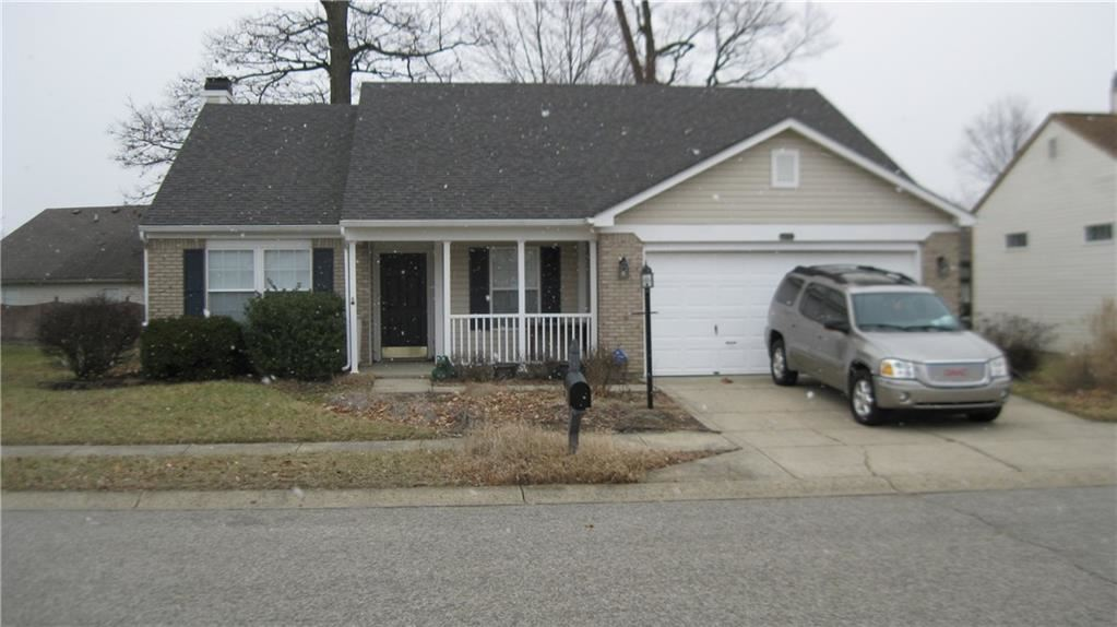 6429 Blakeview Drive, Indianapolis, IN 46235 - #: 21695115