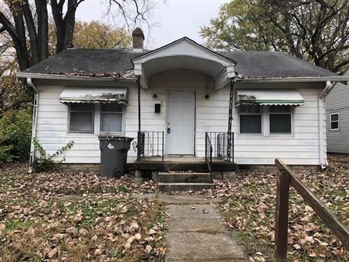 Photo of 3312 Wallace Avenue, Indianapolis, IN 46218 (MLS # 21749125)