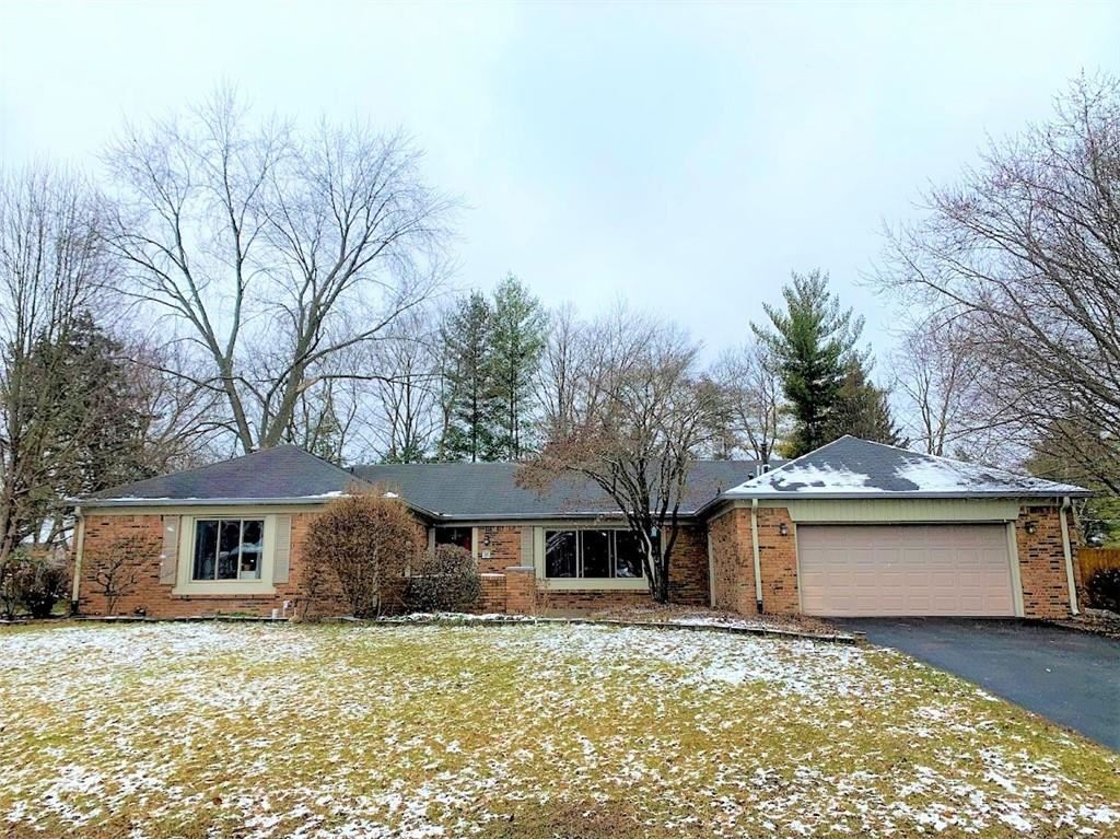 662 COLONIAL WAY, Greenwood, IN 46142 - #: 21761125