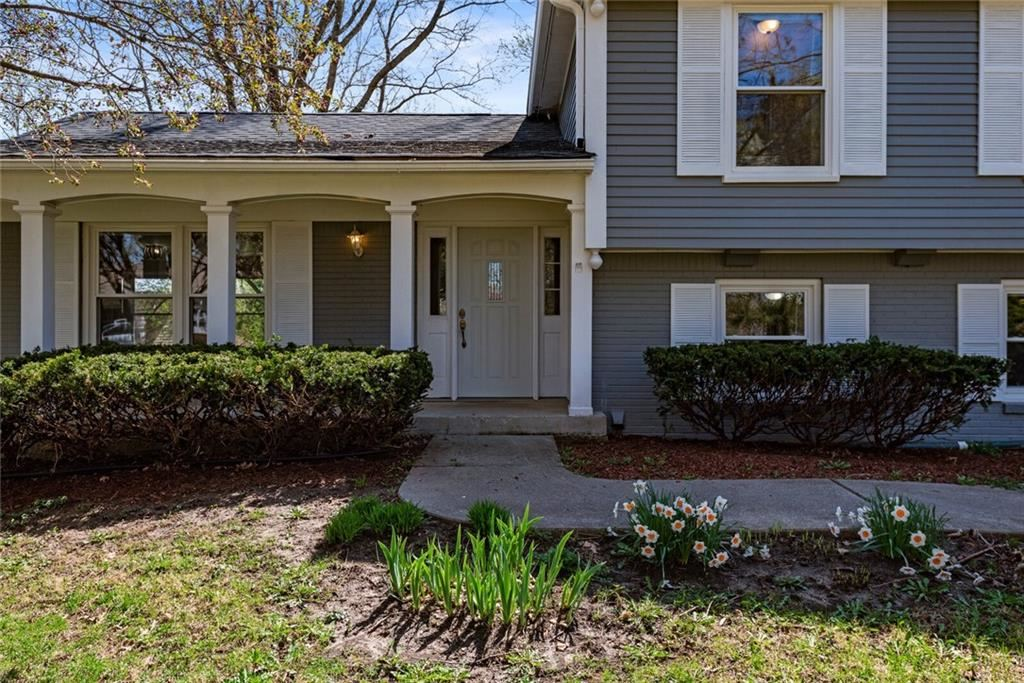 Photo of 7833 Shady Hills W Drive, Indianapolis, IN 46278 (MLS # 21776135)