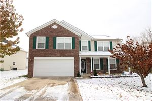 Photo of 8018 LAWRENCE WOODS Boulevard, Indianapolis, IN 46236 (MLS # 21681136)