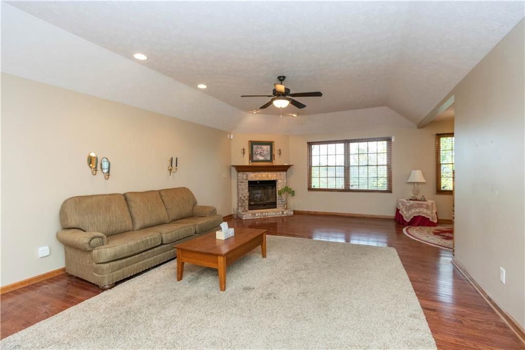 Photo of 1161 Spencer Drive, Brownsburg, IN 46112 (MLS # 21749142)