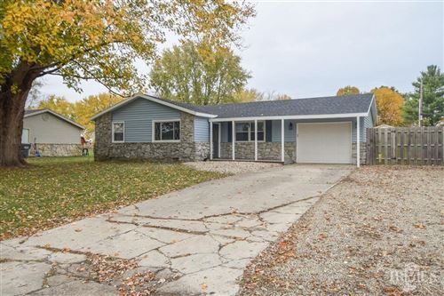 Photo of 3112 West Sunblest Drive, Muncie, IN 47302 (MLS # 21749143)