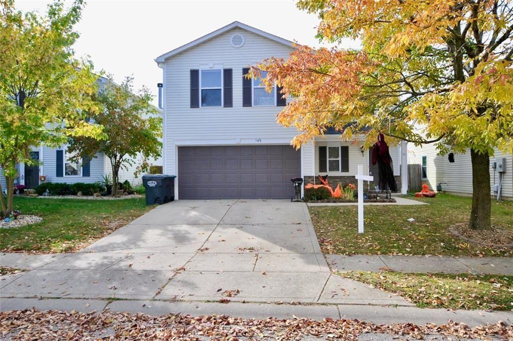 Photo of 149 Frostwood Lane, Greenwood, IN 46143 (MLS # 21754144)