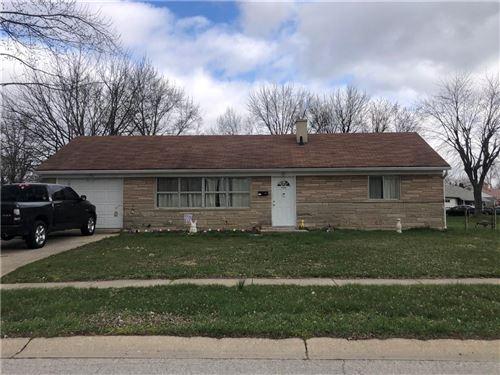 Photo of 27 Sayre Drive, Greenwood, IN 46143 (MLS # 21777148)
