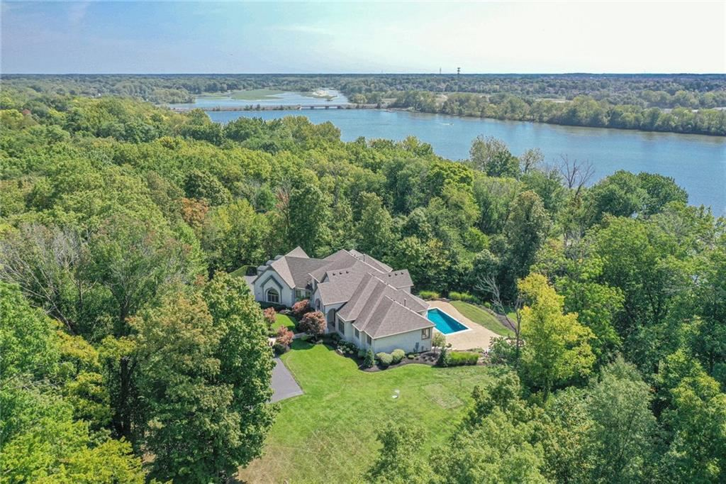 Photo of 11411 Forest Knoll Circle, Fishers, IN 46037 (MLS # 21668150)