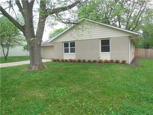 Photo of 14 Sleepy Hollow Drive, Westfield, IN 46074 (MLS # 21691153)